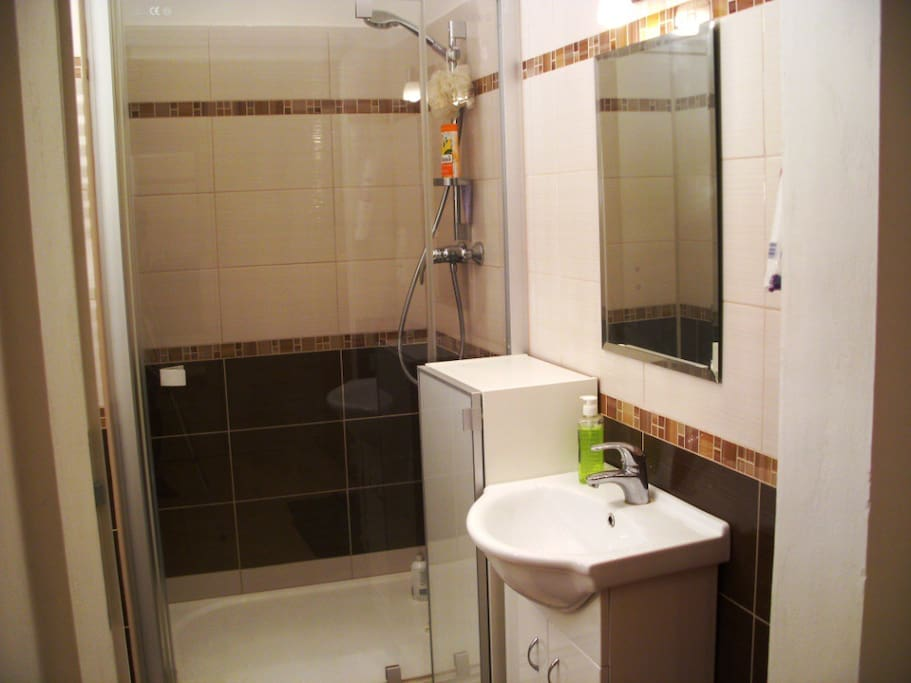 Bathroom2 Badezimmer2
