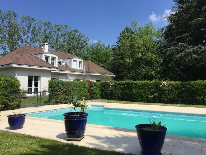 Bed&breakfast (2 chambres) - maison avec piscine
