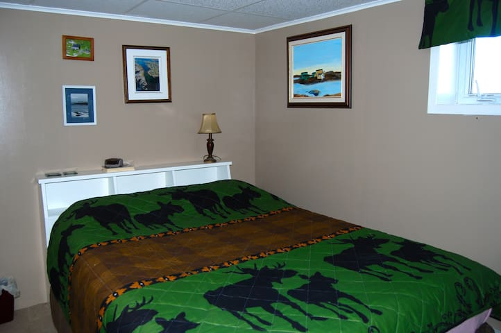 Seaswept Shores Guest Suite (minutes to the ferry)