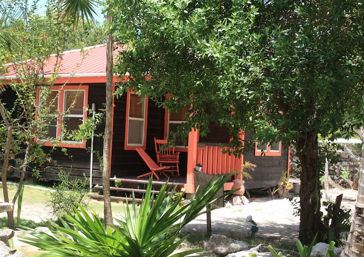 """Bonefish House"" at the Bella Vista Cabins"
