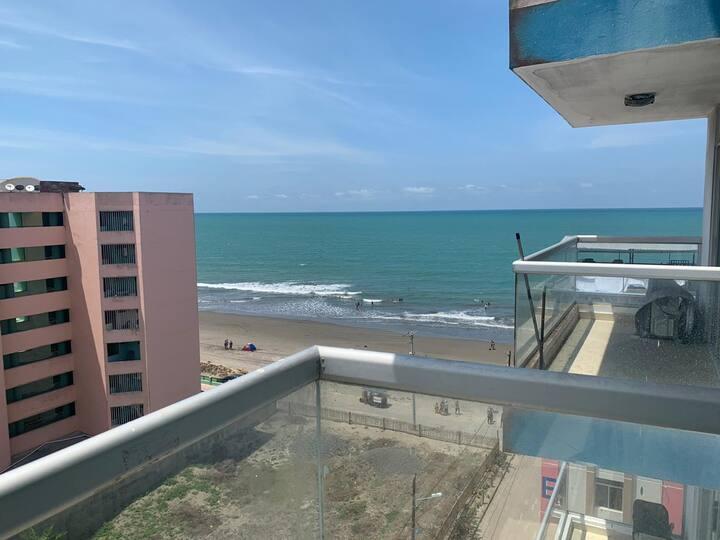 Arriendo departamento a pocos metros de la playa