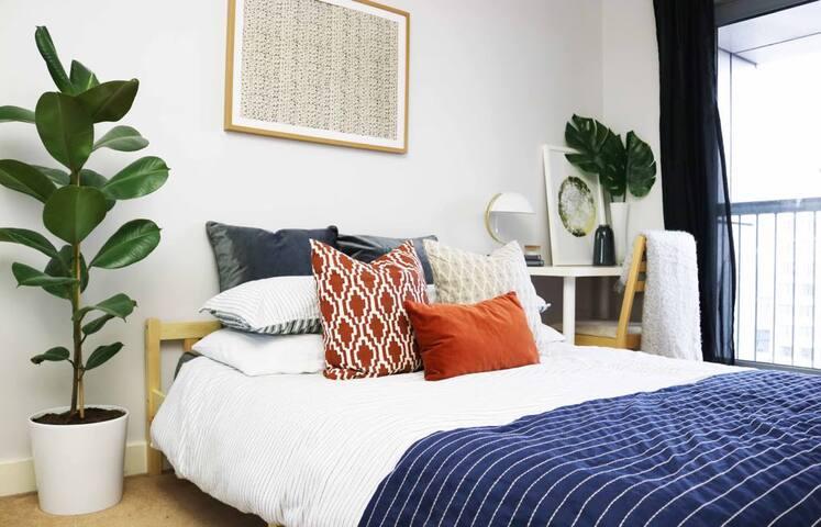 Private En-suite in Penthouse Duplex Apartment