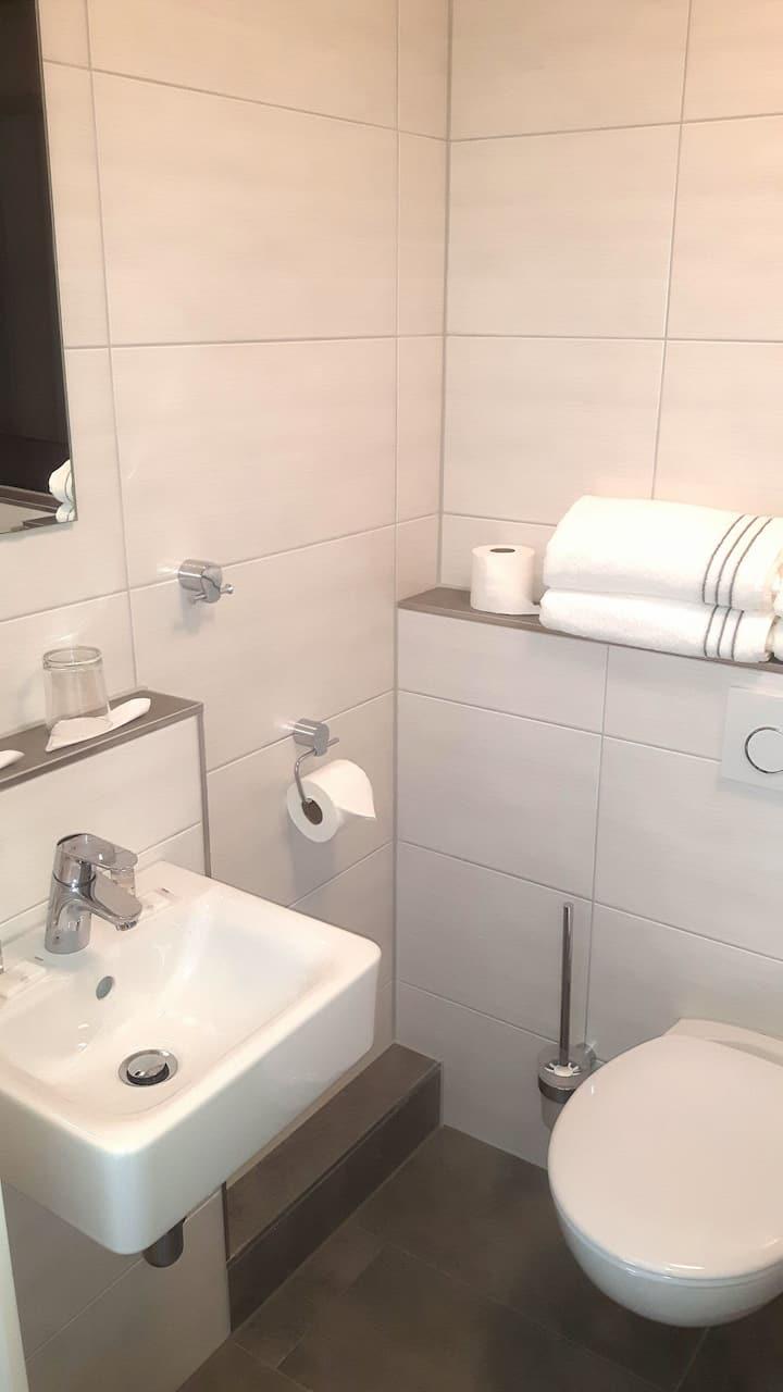 Hotel SEEADLER, (Friedrichshafen), Einzelzimmer