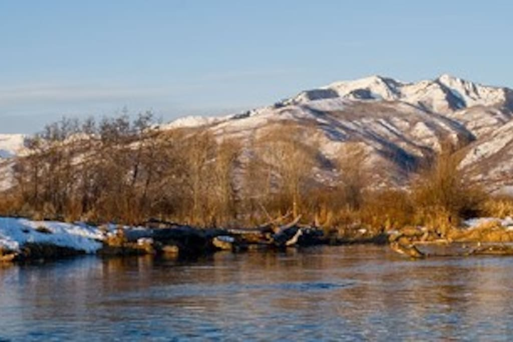 Fly fishing the Eagle River in winter