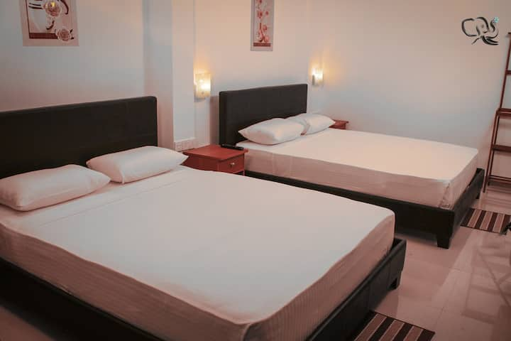 Two Double Room- Huge Room accommodates 4 in Kandy