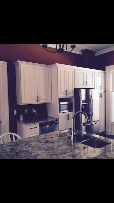 Beautiful, well lit, fully functioning kitchen.