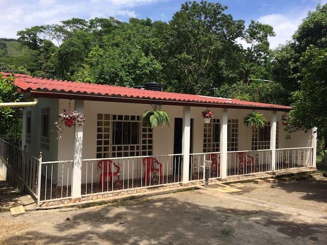 Finca de descanso y relajacion cerca de Tocaima