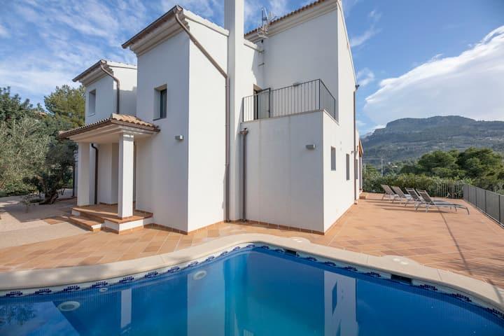 Comfortable villa with pool in Port de Sóller
