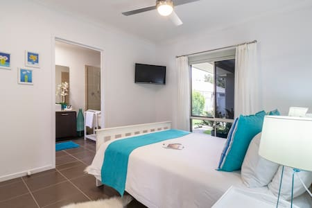 Fabulous Retreat near Noosa, Coolum and Mooloolaba
