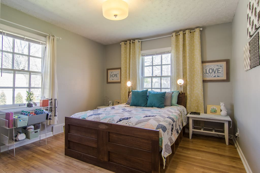 Private Guest Room And Bath In Charming Craftsman Houses