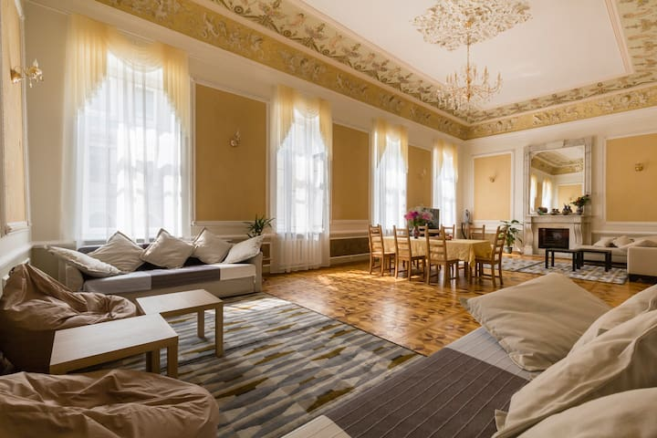 Hermitage Style Luxury Apartment