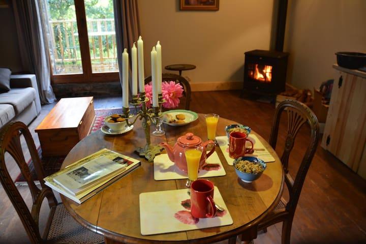 Rustic Luxury - Self Catering Gite - Corsavy - กระท่อมบนภูเขา