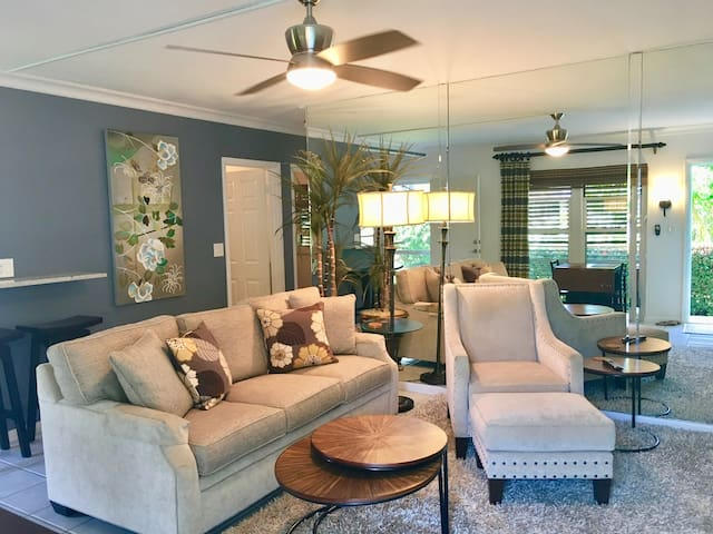 Upscale Condo in Central Location - Marco Island - Appartement en résidence