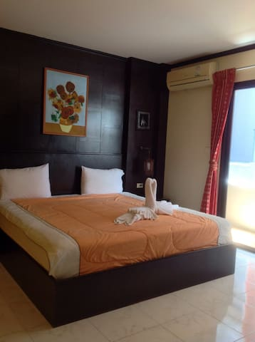 Double room with balcony  and near the beach T03