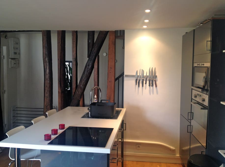 Opened kitchen with bar