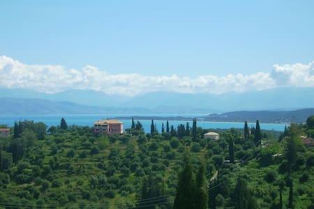 Ferienwohnung für 4 mit traumhaftem Meerblick - Karousades