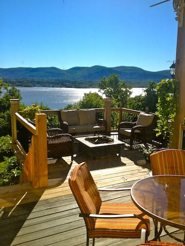 Striking Hudson Valley Beauty!! - Newburgh - Huoneisto