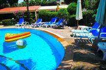 Circle pool view
