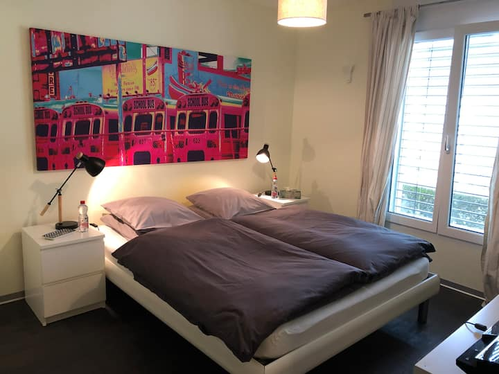 """The Magnet Room"" - Chambre privée, centre-ville"