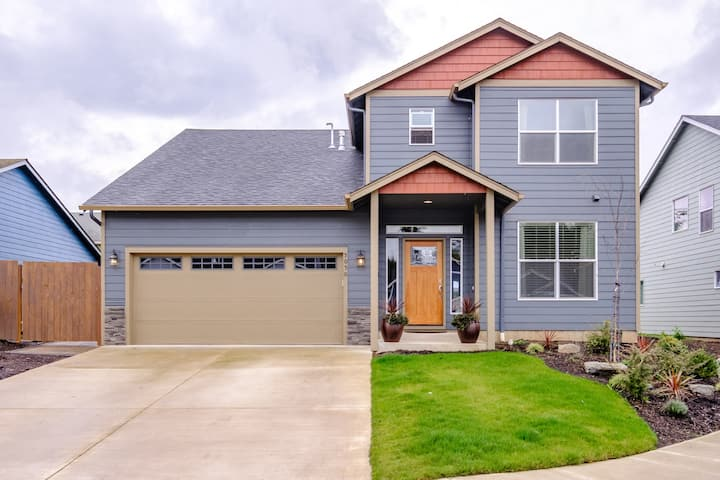 Cozy and Convenient Hayesville Home