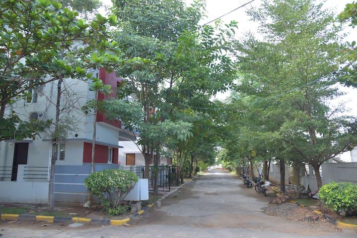Room #1, Villa 33