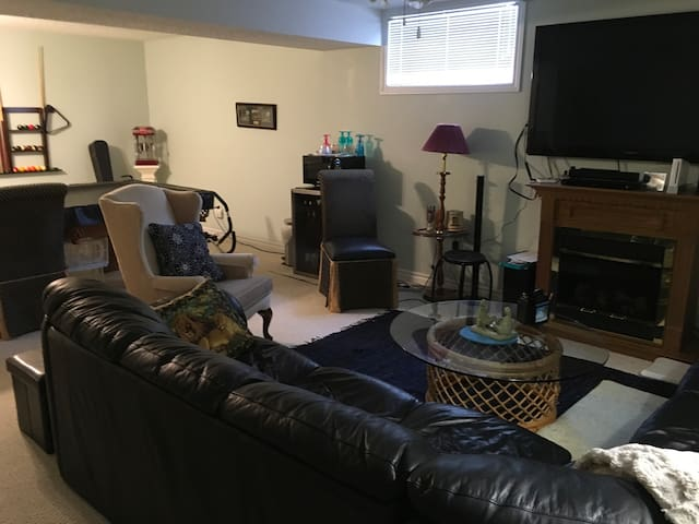 Guests private Family Room