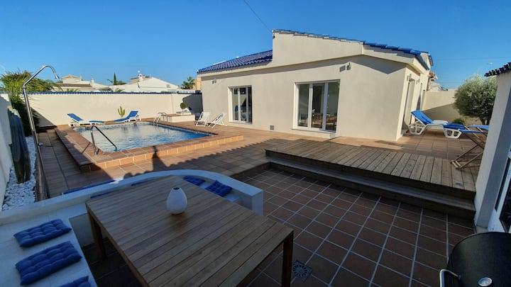 TORREVIEJA Villa , 8 personnes,  piscine privée