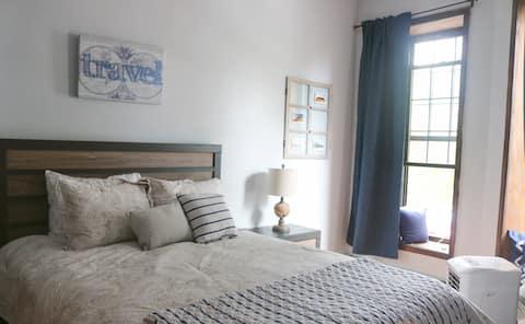 Joy's Place! Cozy, Comfortable and Quaint home