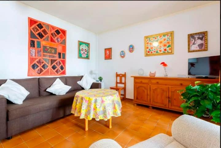 Casa Mila.  Unifamiliar con patio  playa Cadiz