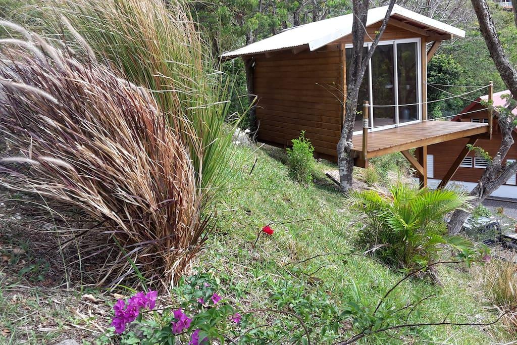 cabane dans les arbres avec sa vue oc an cabins for rent in vieux fort basse terre guadeloupe. Black Bedroom Furniture Sets. Home Design Ideas