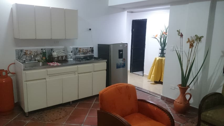 comfortable apartment laureles/medellin