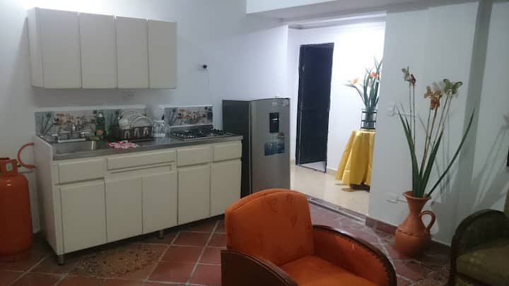 comfortable apartment laureles/medellin