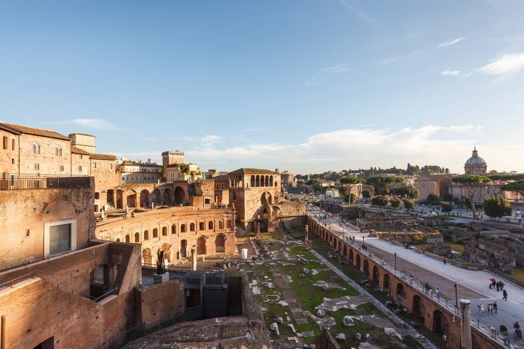 The only private palace that overlooks the Roman Forum and offers an open view of Ancient Rome in the heart of the city