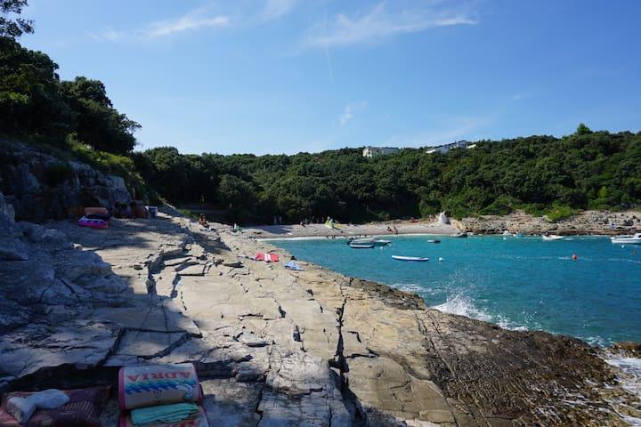 Villa Evelyna in nur 3 Minuten zum Strand