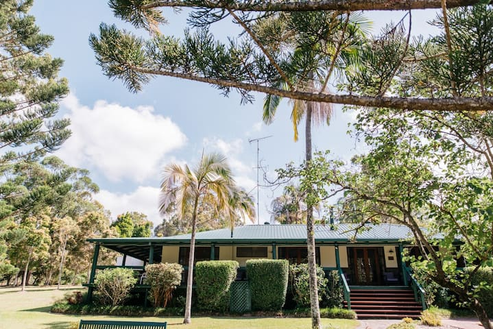 Coolibah Downs Private Estate Hinterland Homestead - Mount Nathan - House