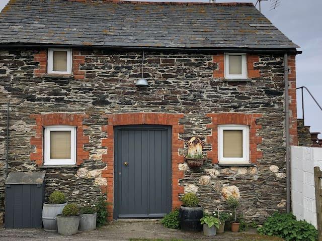 A Boscastle barn, rustic simplicity stunning views