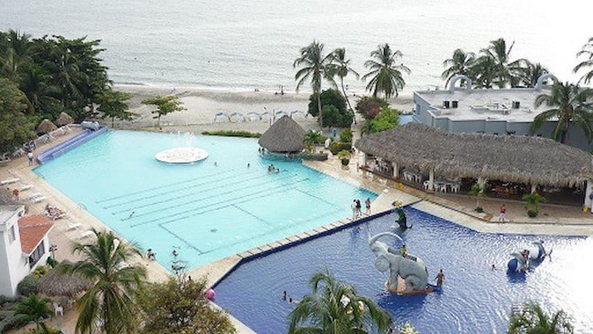 Frente al Mar * Costa Azul 1002