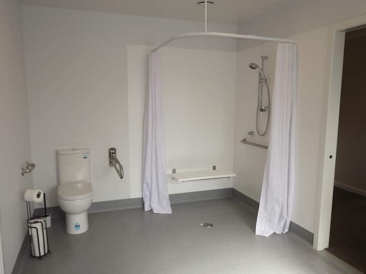 Private, wheelchair access & equipment, new home.