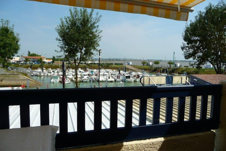 Apartment with See view - Meschers-sur-Gironde - Lejlighed