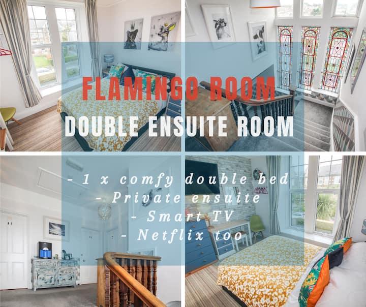Lansdowne - Flamingo Room - Renovated Ensuite Bedrooms in Grand Edwardian Townhouse