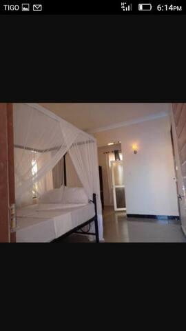 Moams Hotel Mafia island