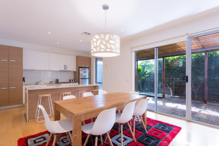 Fantastic Family House InnerWest 4BR+2Bath+Outdoor