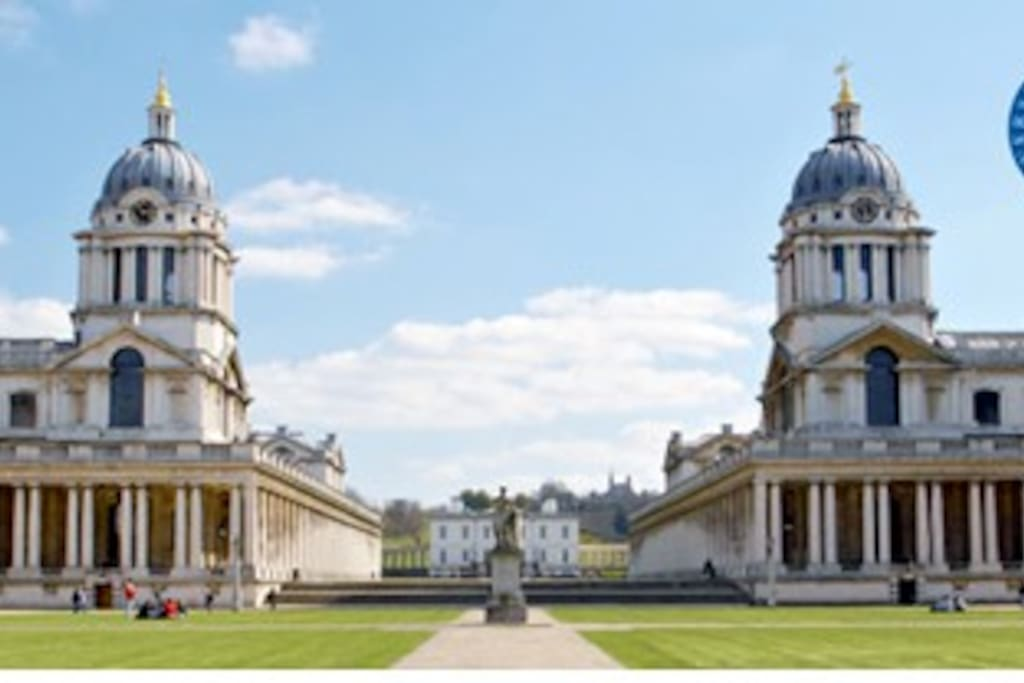 10-15 minute walk along Thames River to Greenwich World Heritage