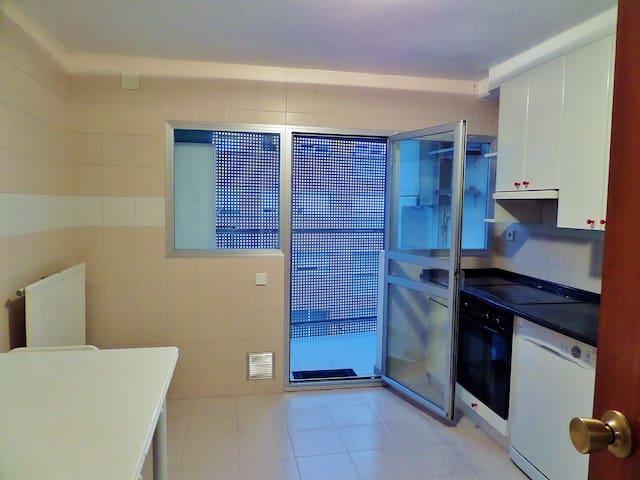Apartamento soleado - Mendillorri - Byt