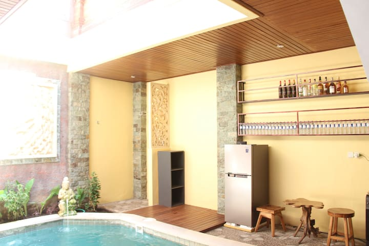 Balinese Style room with Pool and Kitchen in Sanur