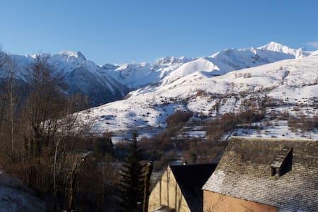 Maison de montagne à 1200 m, vue exceptionnelle - Poubeau - Hus