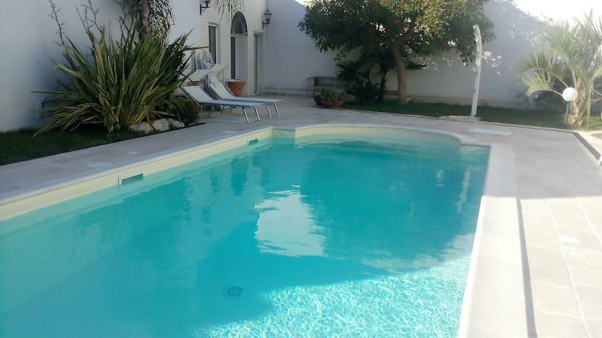 Maison a bordo piscina nel salento vicino Otranto