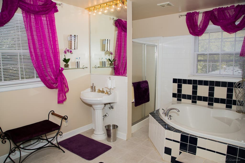 Soothe your senses in airy, huge Master Bath Soak in our luxury Garden tub with room for 2.