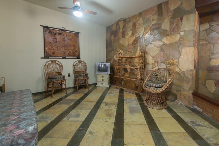 Sala anexa