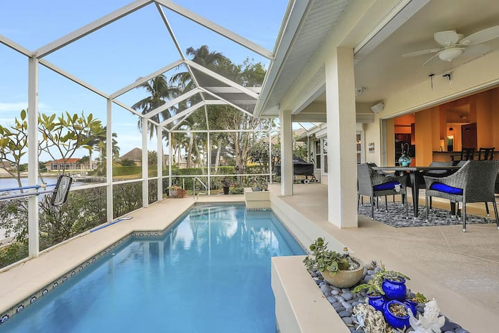 Serenity On The Water - Updated 3BR Waterfront Home On Marco Island